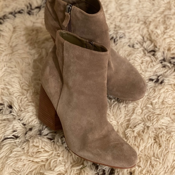 Crown Vintage Taupe Booties Size 8